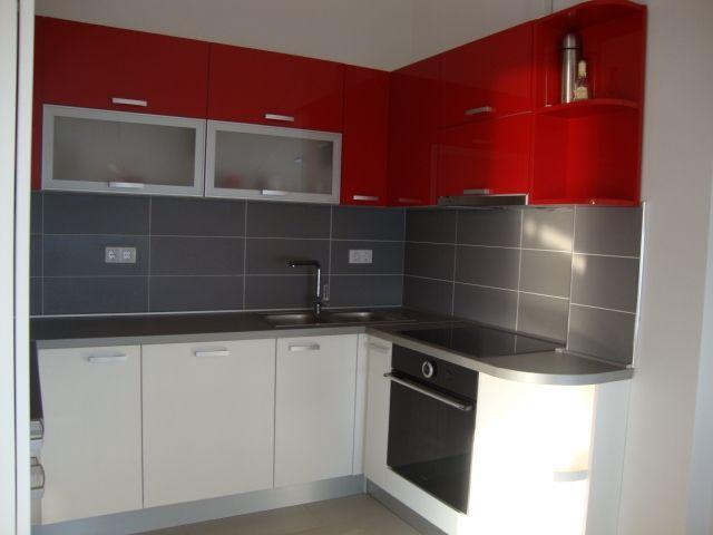 , kompletno, nova kuhinja sa svim aparatima