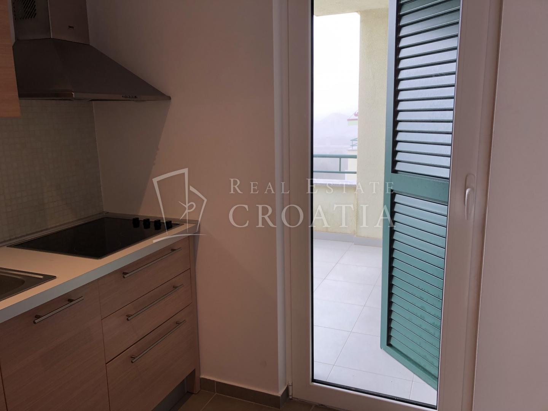 ZADAR, VRSI MULO, namješten apartman 300 m od uređene plaže