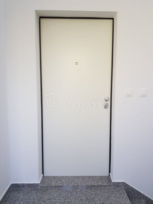 PAG, NOVALJA- novogradnja, penthouse 120,69 m2!