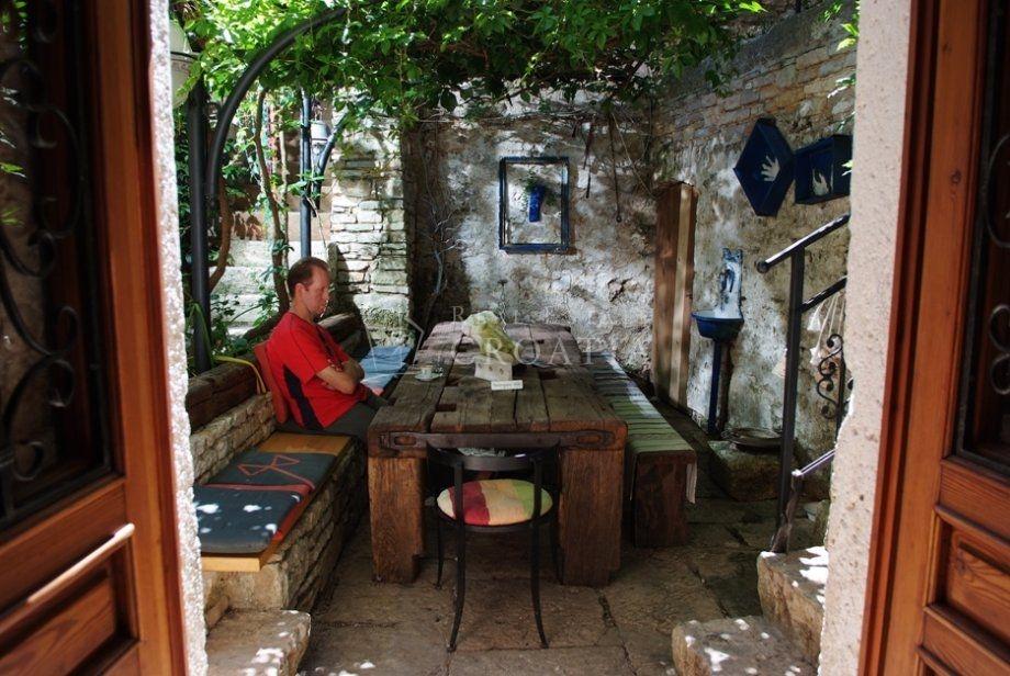 Stambeno poslovni objekt u Balama, Istra