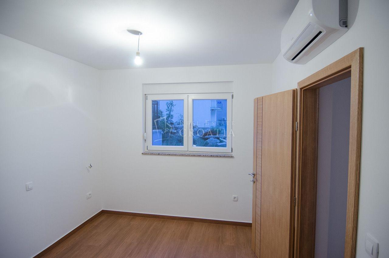 New Apartment in Seline Starigrad, 51.7m2