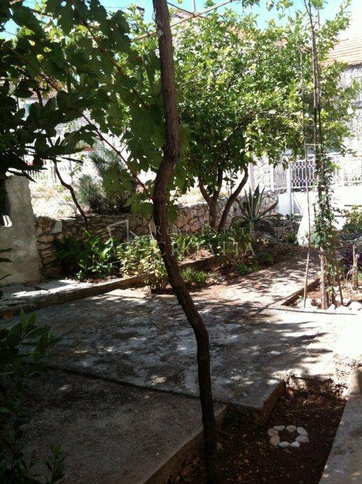 Kuća na Braču, Sutivan