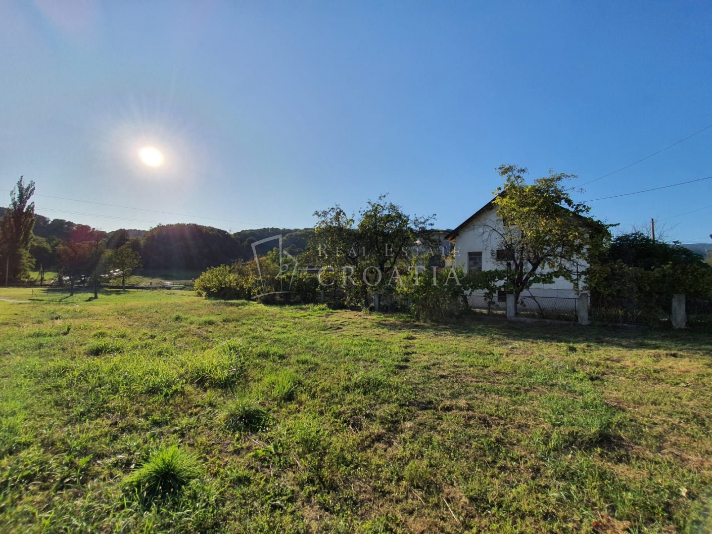 Dubrava-Miroševečka cesta, kuća sa zemljištem