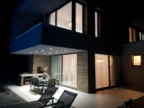KRK, Linardići-luksuzna vila sa bazenom