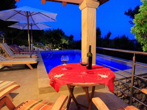VILA NOVA s bazenom i privatnom plažom, Potirna, Korčula