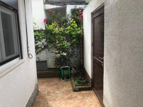 PELJEŠAC, Sreser-kuća sa vrtom