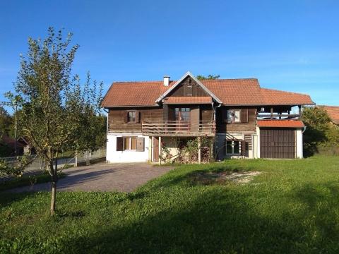 Prekrasna obiteljska kuća, Dugo Selo Lasinjsko, prilika!