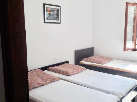 MANDRE, kuća za iznajmljivanje sa 9 apartmana!!!
