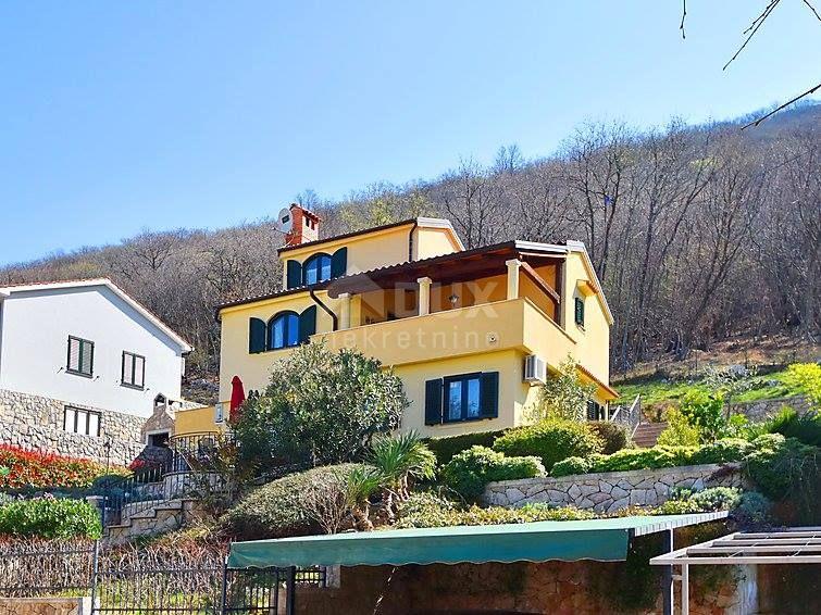 Kuća Porozina, Cres novije gradnje sa 2 stana
