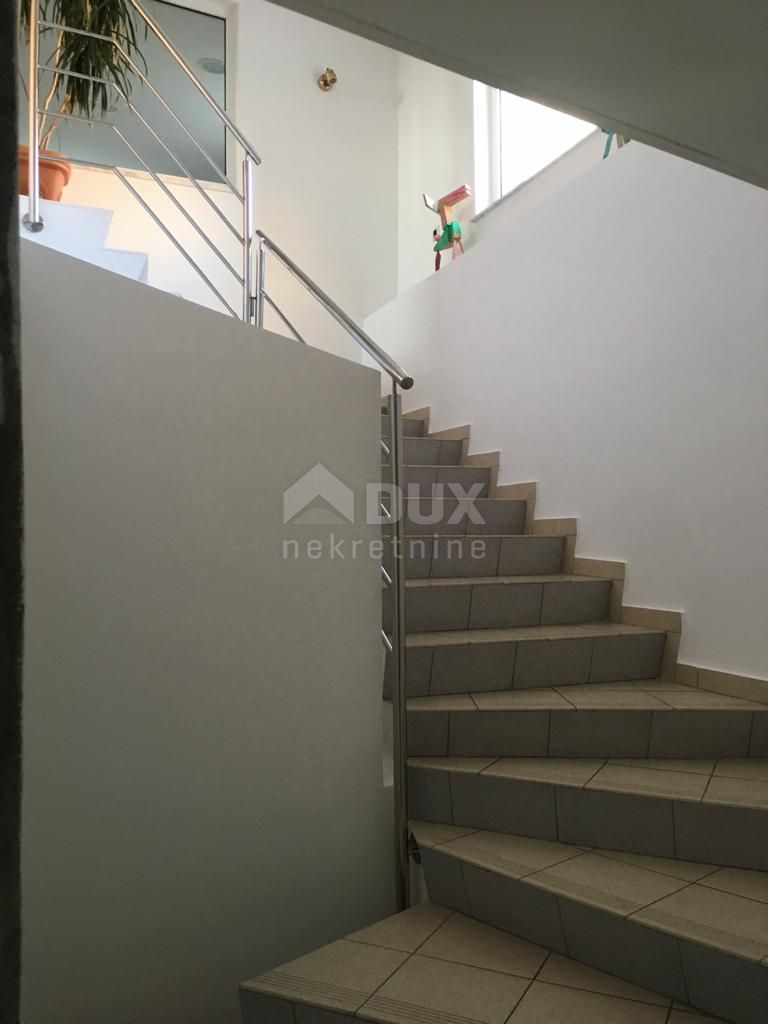 Stan Banderovo, 110 m2 - 1S+DB, s okućnicom