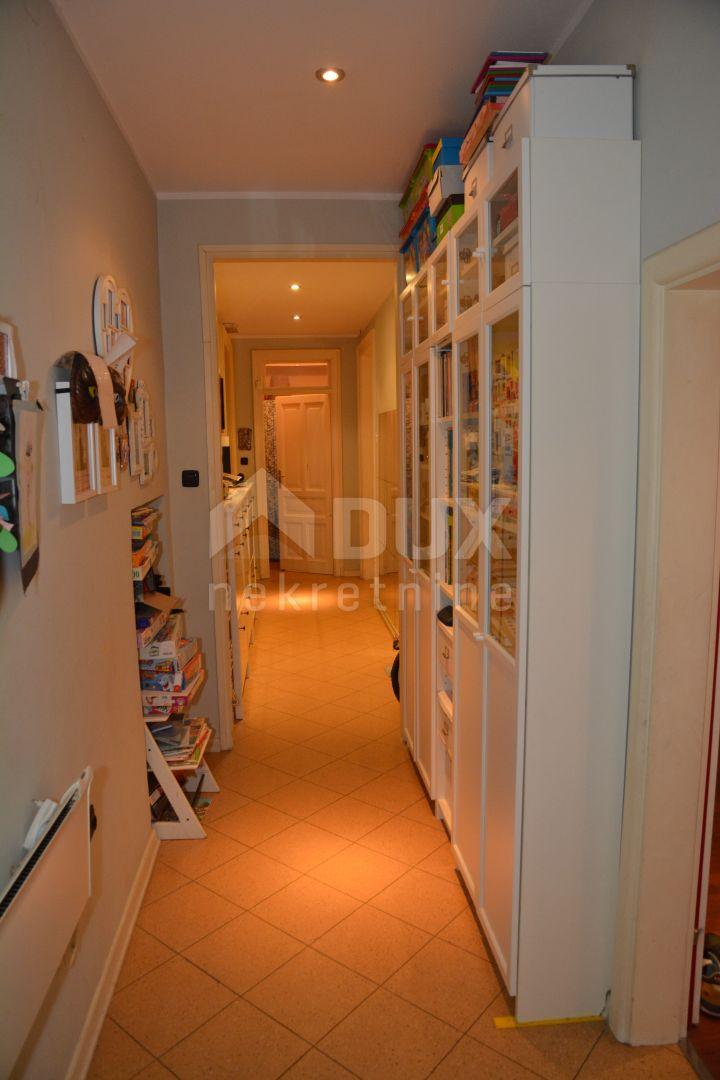 BELVEDER - 3S+DB moderno uređen stan 120 m2 u neposrednoj blizini centra