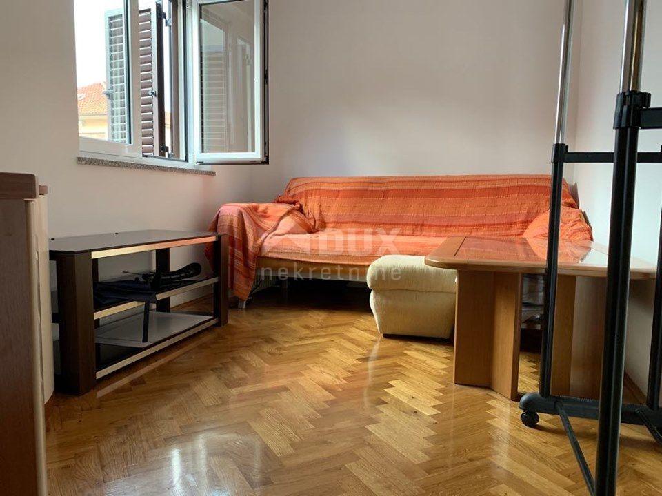 RIJEKA, GORNJI ZAMET - stan, 50 m2, 2S+DB + galerija 35 m2, NOVIJA ZGRADA, POGLED NA MORE!!!!