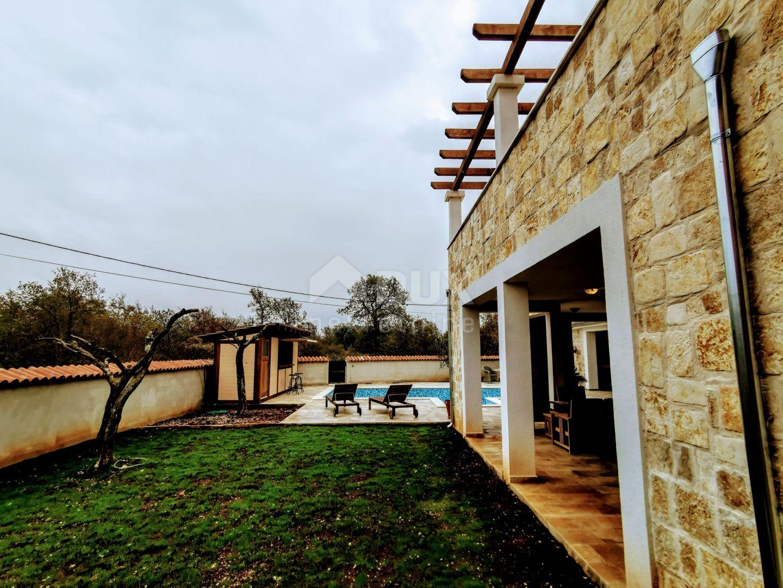 Istrien - Svetvincenat, Villa mit 6 Zimmern und Pool, 400m2