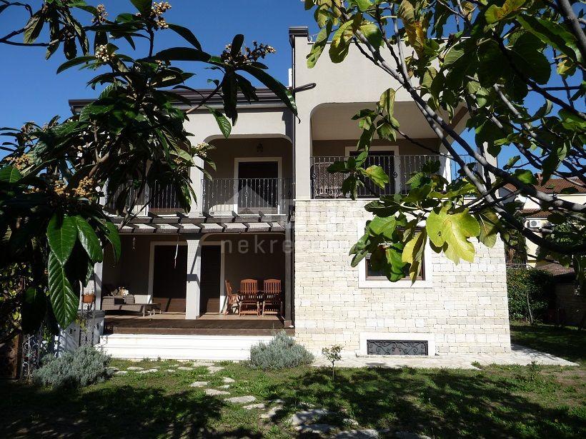 ISTRA, UMAG - Obiteljska kuća s pogledom na more