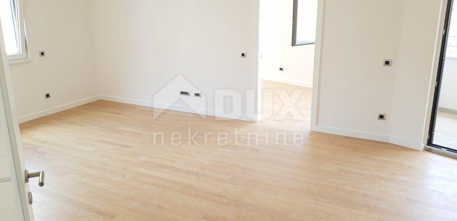 Stan strogi Centar, Novogradnja - 3s+db 95m², prodaja