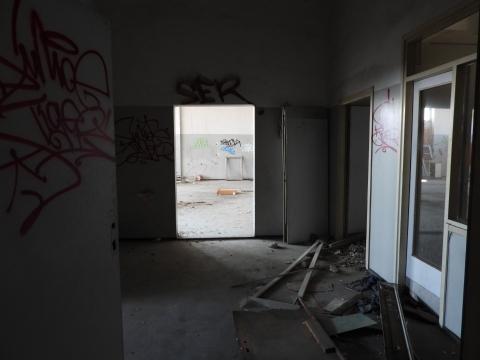 RIJEKA - MLAKA - poslovni prostor 3200m2 unutar poslovno stambene zgrade