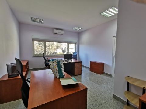 Locale commerciale Gornja Drenova, Rijeka, 27m2