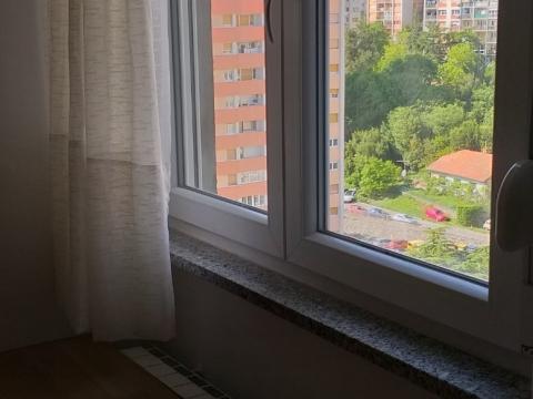 TURNIĆ - Lijepi dvosobni stan s dnevnim boravkom i pogledom