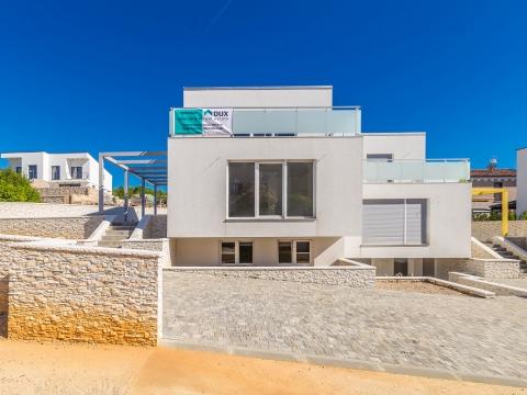 traumhafte - Doppelhaushälfte mit 200m² in Malinska, Malinska-Dubašnica