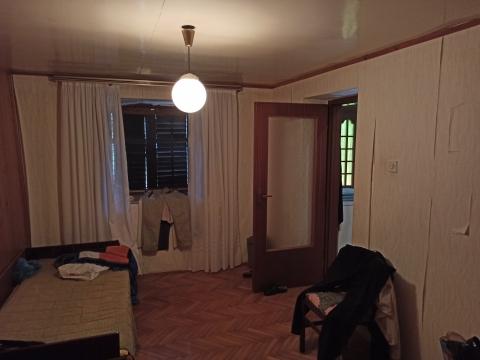 ISTRA - KRNICA - Zadnja kuća u redu s velikom okućnicom