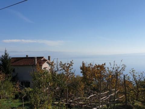 Kuća katnica, Dobreć - u nizu 105m², na mirnoj i atraktivnoj lokaciji