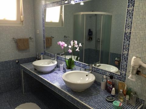 OPATIJA - stan u urbanoj vili s bazenom - 2S+DB, 92m², prodaja