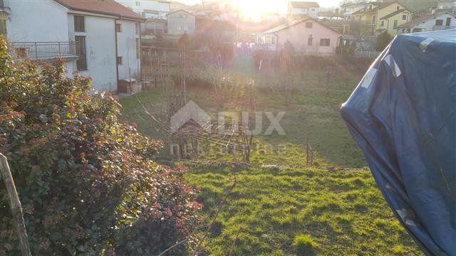 MATULJI - TRINAJSTIĆI - građevinsko zemljište 600m² za obiteljsku kuću