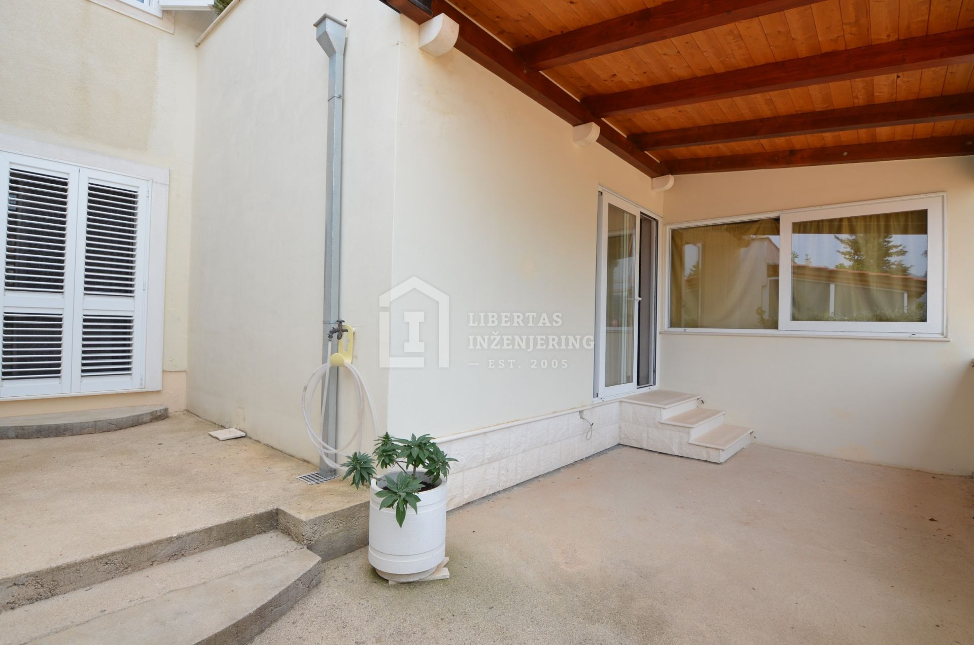 For sale spacious house in excellent condition / GOOD VALUE