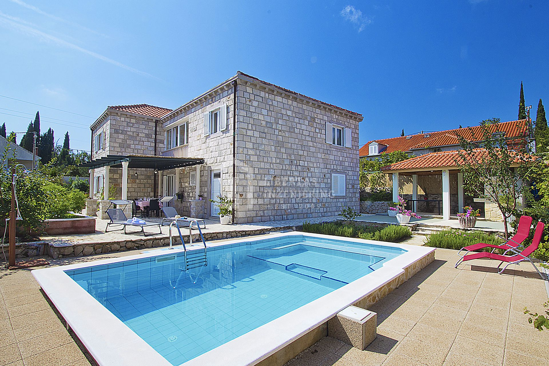 Stone house near by Dubrovnik / HOLIDAY HOME