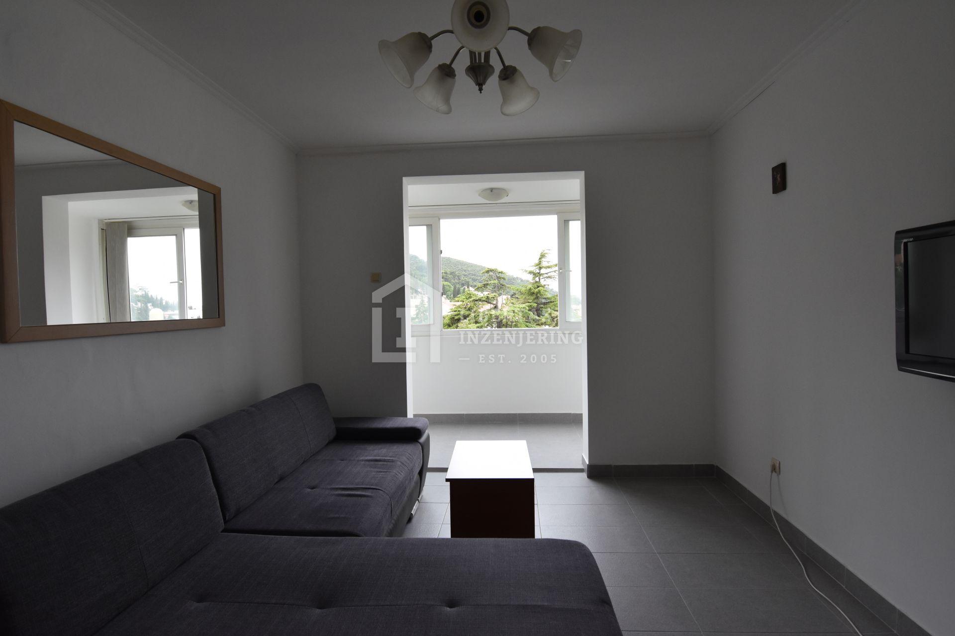Ekskluzivno u ponudi - renovirani dvosobni stan u Lapadu, Dubrovnik / IZVRSNA LOKACIJA