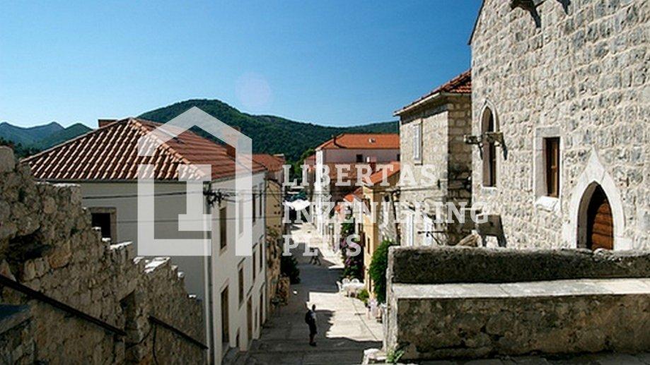 Ston, starogradska jezgra, kuća za obnovu s terasom / PRILIKA