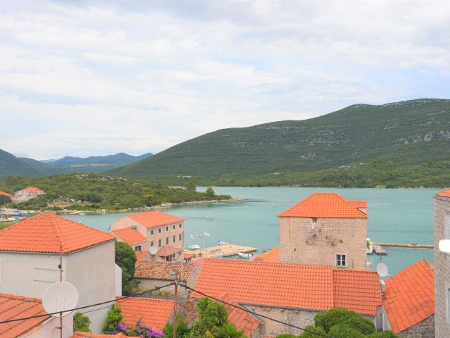 Dubrovnik, Ston, stone house with rental units / BUSINESS OPPORTUNITY