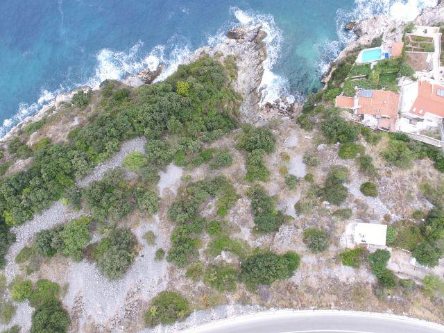 Dubrovnik okolica, građevinsko zemljište / PRVI RED DO MORA