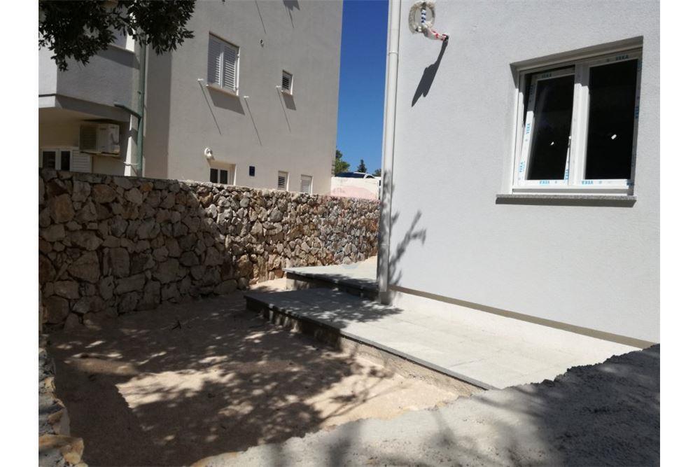 Stani Škuncini, Gajac - apartmani novogradnja