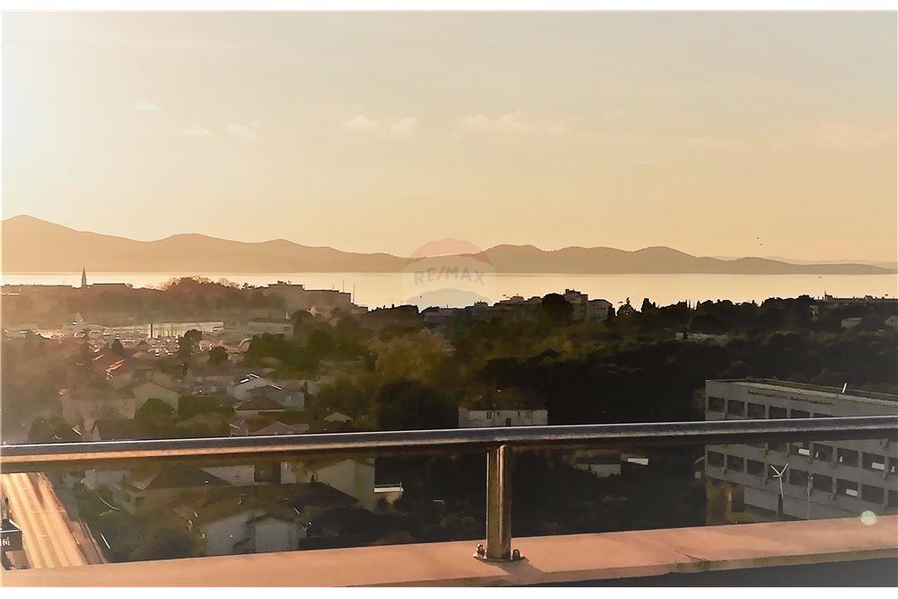 ZADAR, luksuzan penthouse prekrasnim pogledom