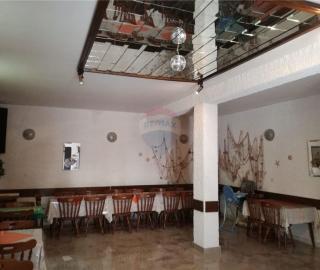Apartmanska kuća sa tavernom - MANDRE