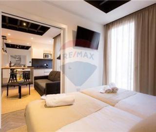 Zadar, luksuzni trosobni stan uz more