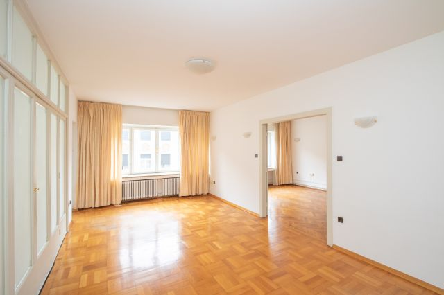 ZAGREB -CENTER -MARTIĆEVA -IBLEROV: 160 M2, 5 ROOMS, PARKING