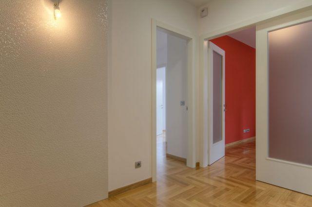 ŠALATA - BABONIĆEVA - LUX: 5-SOB, 146 M2, VRT 58 m2, TERASA, PARKING, GARAŽA