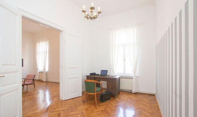 ZAGREB, CENTAR, MEDULIĆEVA: 130 M2, 4 SOBE, 2. KAT