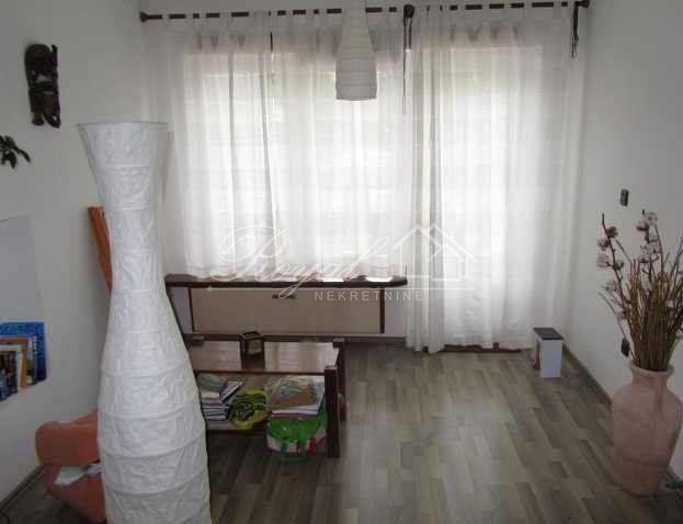 KOSTRENA, STAN U PRIZEMLJU, 120 M2, 135.000 €/KN