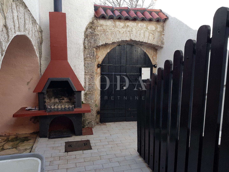 Grižane kamena kuća sa garažom