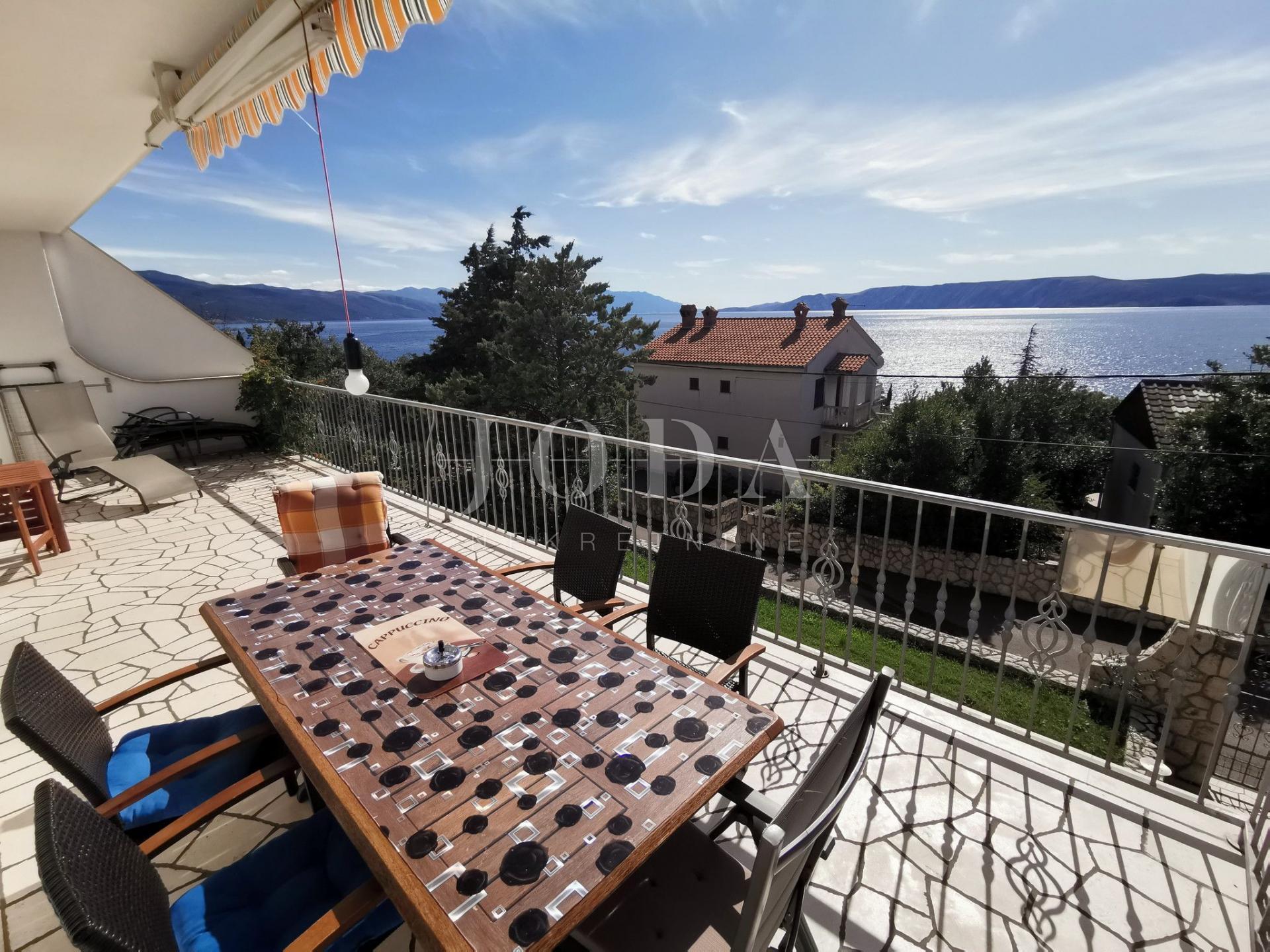 Bribirska obala kuća sa 5 apartmana