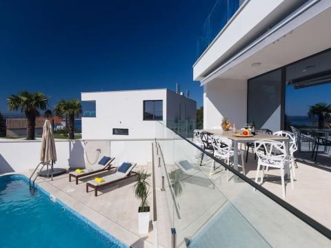Crikvenica kuća sa dva bazena,saunom,garažom