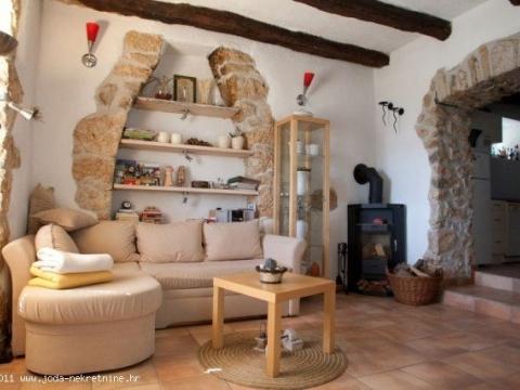 Dramalj kamena kuća sa garažom