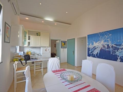 Moderan apartman s panoramskim pogledom na more