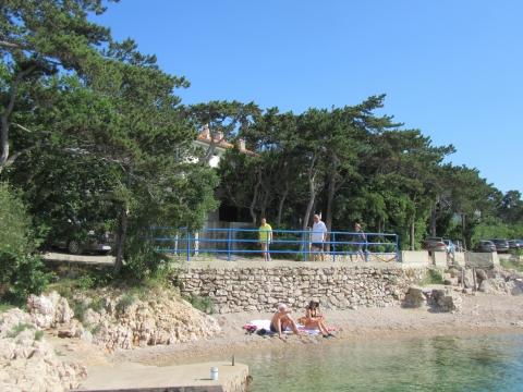 Kuća i zemljište uz more