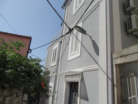 Adaptirana kuća u centru Crikvenice