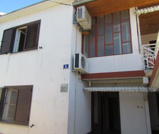 Kuća sa dva stana