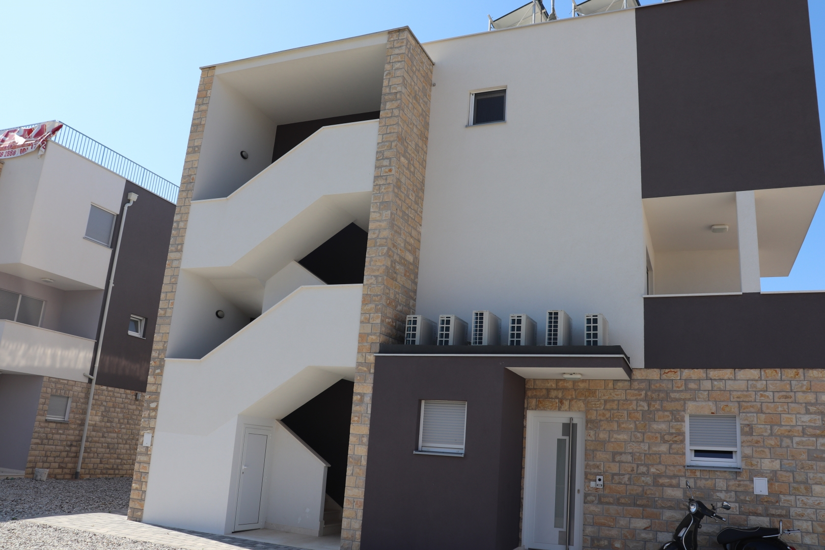 Luksuzni stanovi u Tribunju